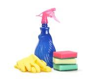 Reinigungsmittel, Schwämme und Gummihandschuhe Stockbilder