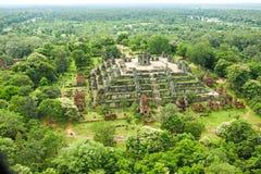 Reino de Angkor Wat Siem Reap cambodia da montagem de Byon Tample Bakheng da maravilha Fotos de Stock Royalty Free