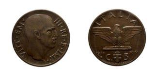 Reino 1936 de Vittorio Emanuele III del imperio de la moneda de cobre de cinco 5 liras de los centavos de Italia Fotografía de archivo