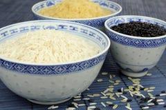 Reis in den Schüsseln Stockbild