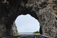 Reis door het talrijke tunnelsnoorden van het land Stock Afbeelding