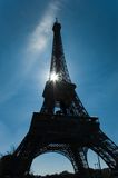 Reis Eiffel met zonlicht Stock Fotografie