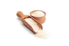 Reis in einer hölzernen Schüssel Stockfoto