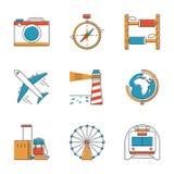 Reis en vakantie geplaatste lijnpictogrammen Stock Fotografie