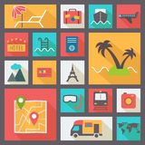 Reis en vakantie geplaatste pictogrammen, vlakke ontwerpvector Stock Foto