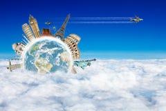Reis het concept van wereldwolken Stock Foto's