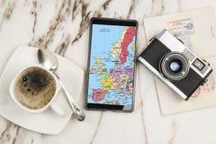 Reis met mobiele telefoon Stock Foto
