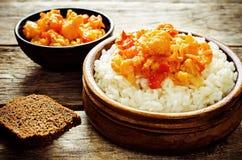 Reis mit Curryblumenkohl Lizenzfreies Stockbild