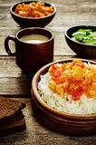 Reis mit Curryblumenkohl Lizenzfreie Stockbilder