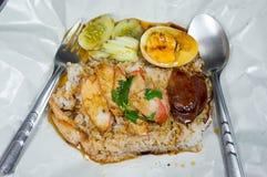 Reis mit gebratenem Schweinefleisch mit Eiern Stockfotos