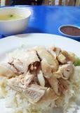 Reis mit gekochtem Huhn, Straßenlebensmittel Lizenzfreie Stockfotos