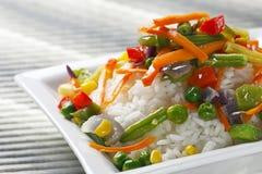 Reis mit Gemüse. Stockfotos