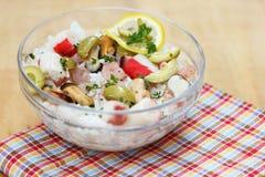 Reis mit Miesmuscheln und Gemüse Lizenzfreie Stockfotos