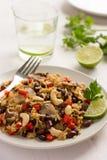 Reis mit roter Bohne, Pilzen und Gemüse Stockbild