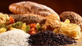 Reis mit Teigwaren und Brot stock footage