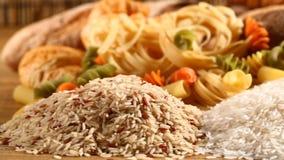 Reis und Brot stock video