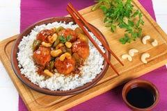Reis und Fleischklöschen gedämpft in der Soße Lizenzfreie Stockfotografie