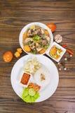 Reis- und Ochsenschwanzsuppe auf Tabelle Lizenzfreies Stockbild