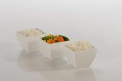 Reis und sautéed Gemüse stockfotografie