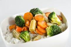Reis und sautéed Gemüse Lizenzfreie Stockfotografie