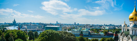 Reis 18 van het Kremlin: Panorama van Moskou zoals die wordt bekeken van stock foto's
