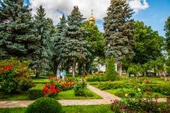 Reis 31 van het Kremlin: Toeristen in de rozentuin van Seconde royalty-vrije stock foto
