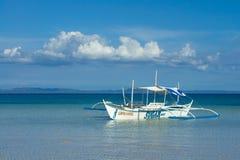 Reisboot op Sugar Beach, Cebu royalty-vrije stock afbeelding