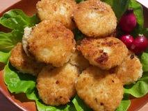 Reisburger mit Salat Stockfoto