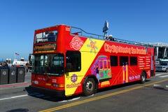 Reisbus in San Francisco, Californië Stock Foto's