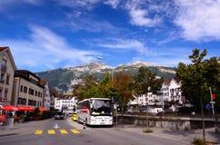 Reisbus in Zwitserse Stad van Chur Royalty-vrije Stock Afbeelding