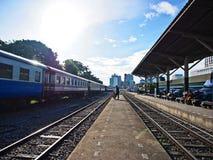 Reise, alte Bahnstation in Thailand Stockbilder