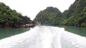 Reise auf dem Meer in Vietnam stock footage