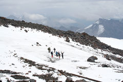 Reise auf der Elbrus-Steigung Lizenzfreie Stockbilder