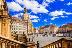 Reise in Deutschland - elegantes barockes Dresden quadratischer Neumarkt-Esprit stockfotografie