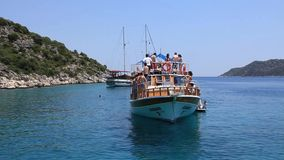 Reise. Die Türkei, Kekova-Simenaregion. Sportboot stock video footage