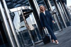 Reise, Geschäftsreise Leute und Technologiekonzept - glücklich Sie stockbilder