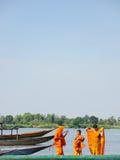 Reise mit drei Anfängern durch Boot Stockbilder