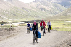 Reise nach Tibet durch Fahrrad Stockbilder