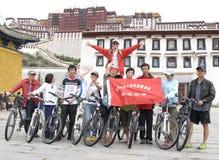 Reise nach Tibet durch Fahrrad Stockbild