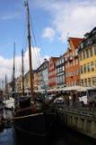 Reise in Nyhavn von Dänemark Lizenzfreie Stockbilder