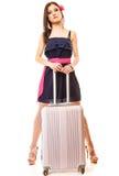 Reise und Ferien Frau mit Koffergepäcktasche Lizenzfreie Stockfotos