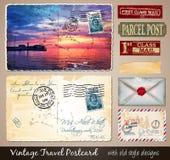 Reise-Weinlese-Postkarten-Design mit antikem Blick Lizenzfreie Stockfotos