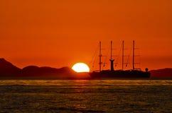 Reise zum Sonnenuntergang Stockbild
