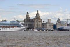 Reiseflug-Zwischenlage in Liverpool Lizenzfreie Stockfotos