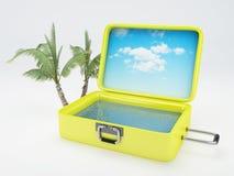 Reisekoffer Setzen Sie Ferien auf den Strand weiß Lizenzfreies Stockfoto