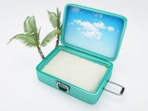 Reisekoffer Setzen Sie Ferien auf den Strand weiß Lizenzfreie Stockbilder