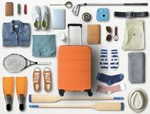 Reisekonzept mit einem großen Koffer stockfoto