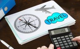Reisekonzept veranschaulicht auf einem Papier Lizenzfreies Stockfoto