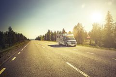 Free Reisemobil Auf Einer Motor Home On Road In Lapland Strasse In Lappland, Schweden Royalty Free Stock Images - 157672789
