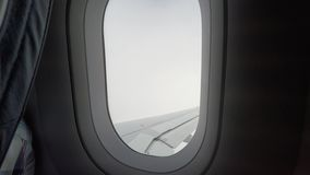 Reisen in ein Flugzeug stock video